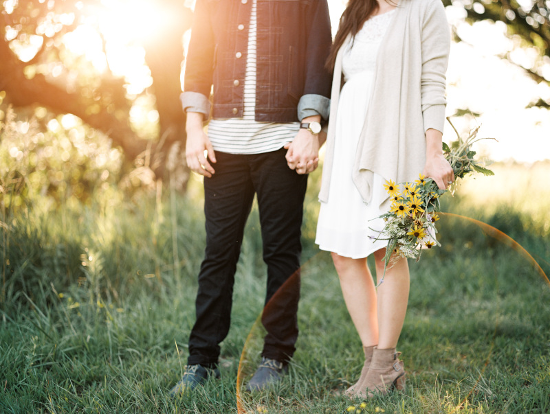 spring engagement session outfit 4