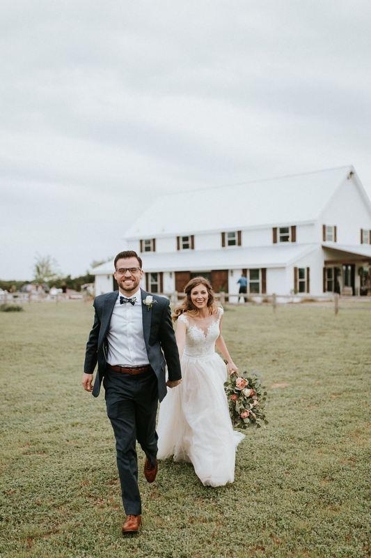 rustic-wedding-venues-across-the-us-five-oaks-matt-allen-photography