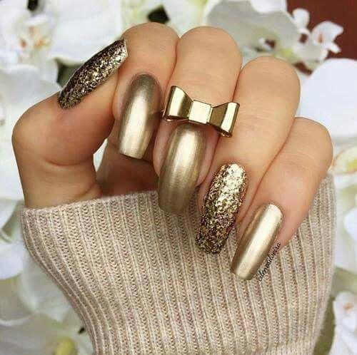shiny gold manicure