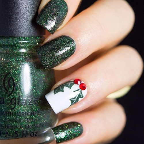 hunter green manicure