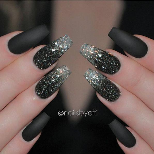 sparkling black manicure