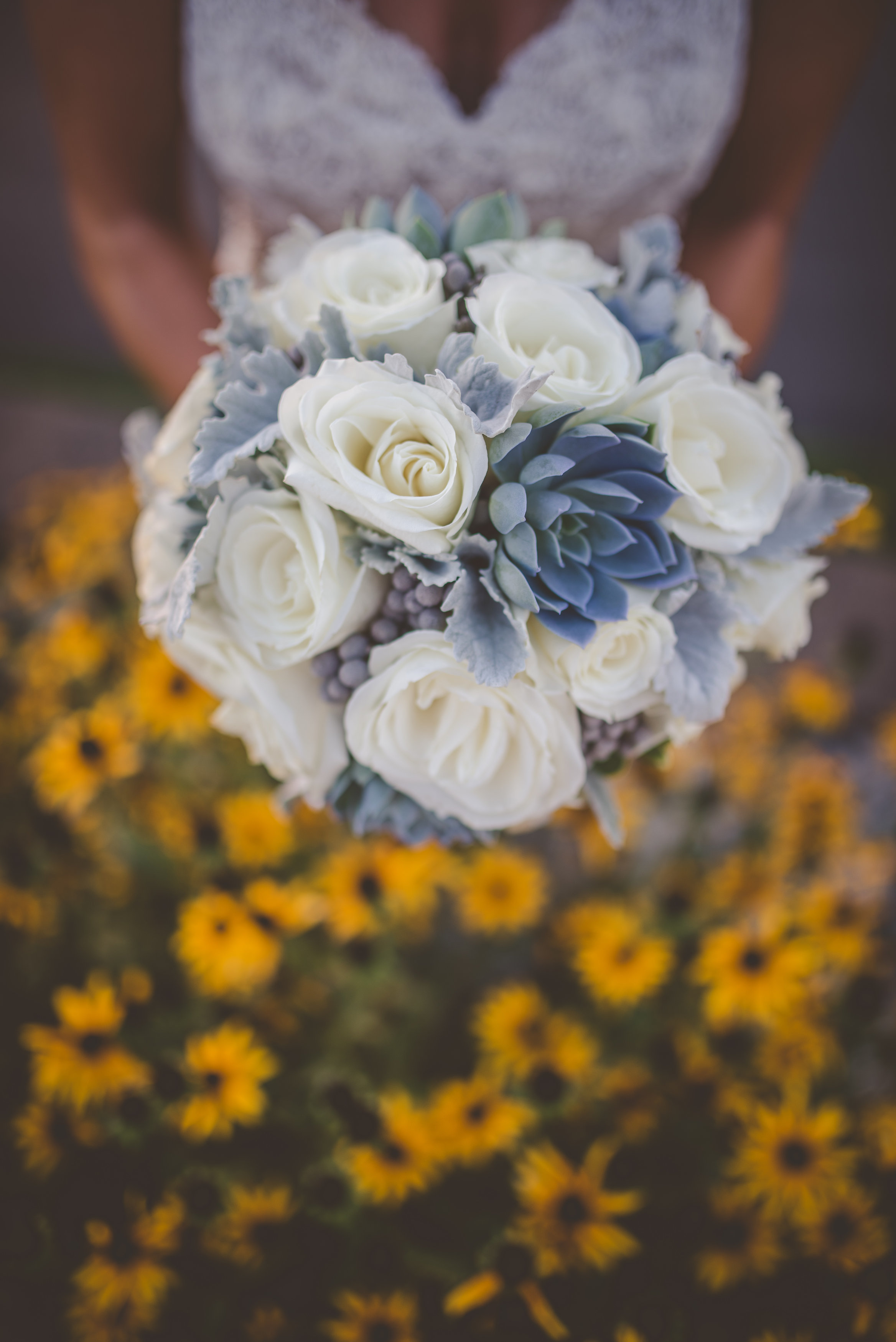 Rose bouquet with monochromatic flowers