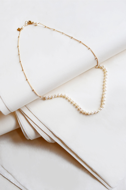Dainty Pearls