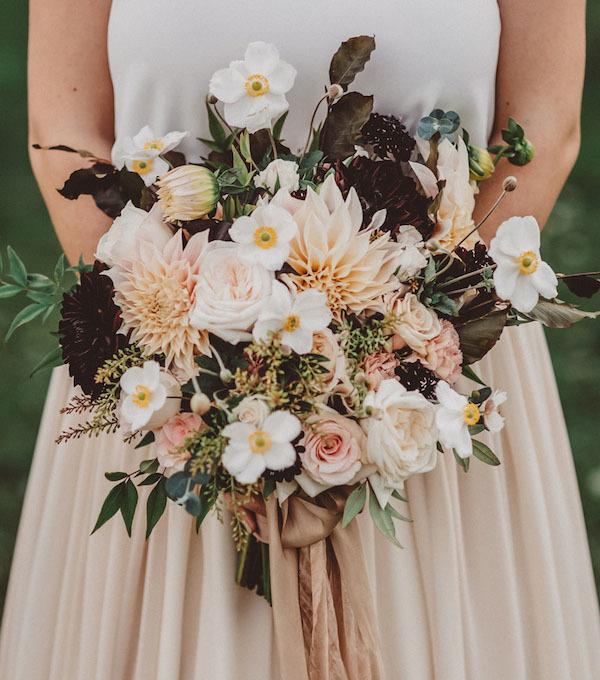 Dark wedding bouquet