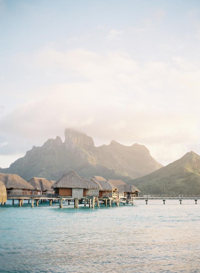 Bora, Bora outdoor huts