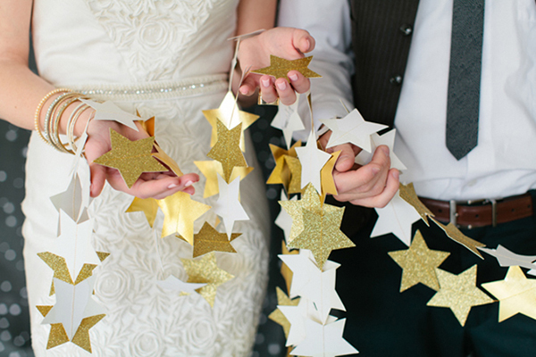 DIY-gold-star-garland1.jpg