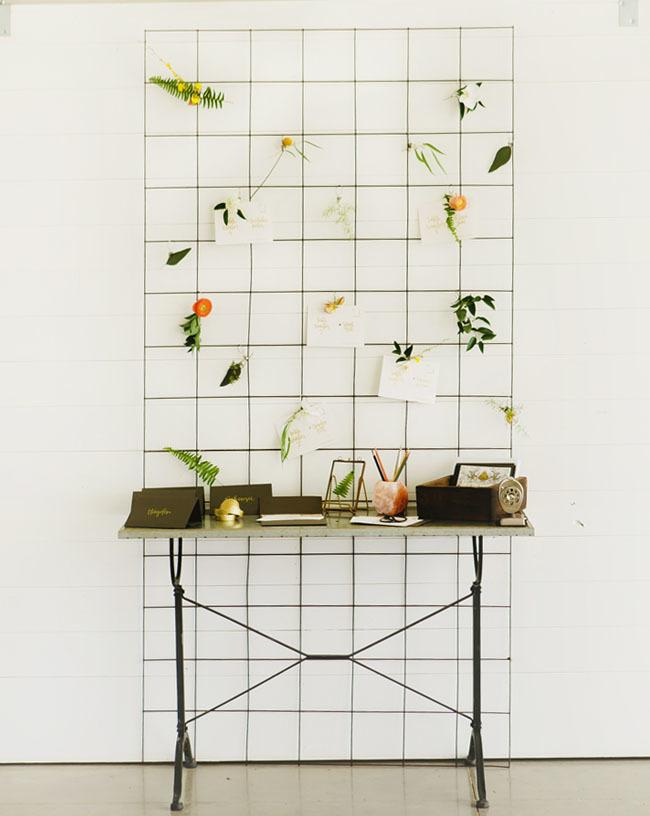 minimalist welcome table