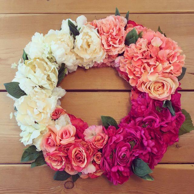 DIY Ombre Wedding Flower Wreath via Bloglovin'