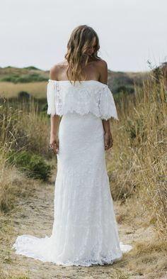 bare shoulders wedding dress