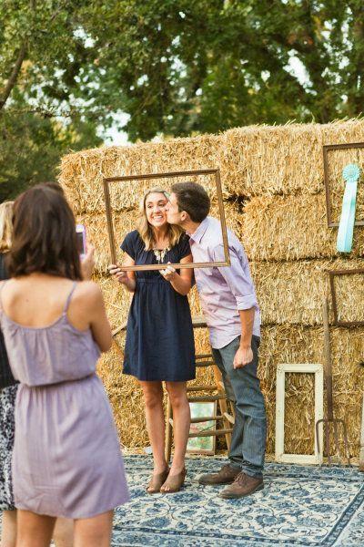 DIY Hay Bale Wedding Backdrop