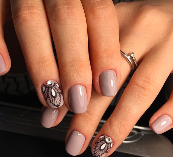 Muted color wedding nails