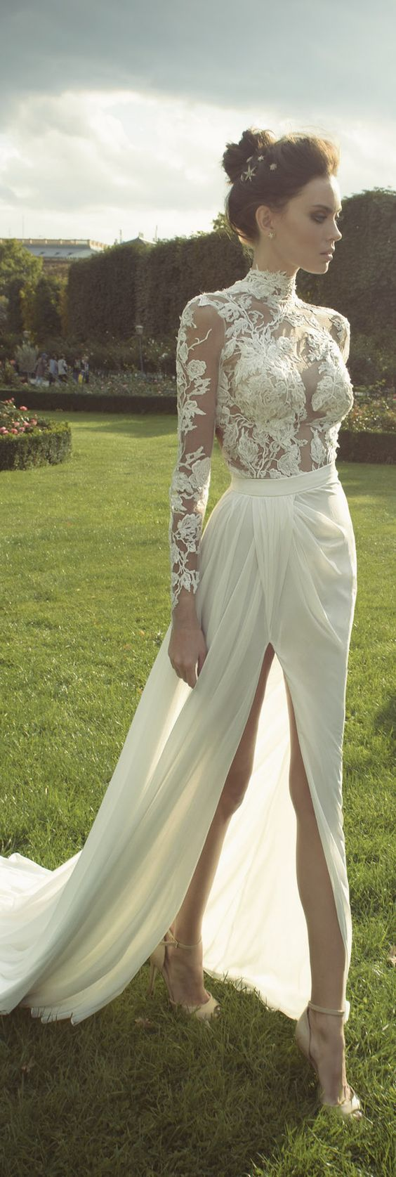 lace collar wedding dress
