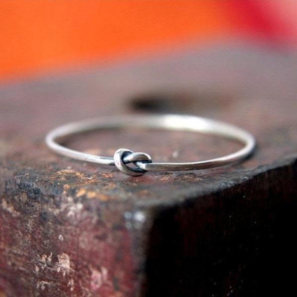 Tiny Knot Ring
