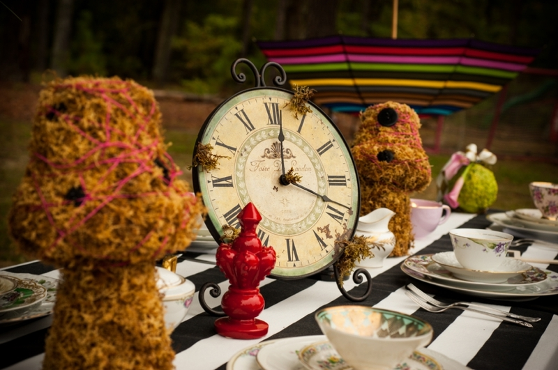 Alice in Wonderland tablescape