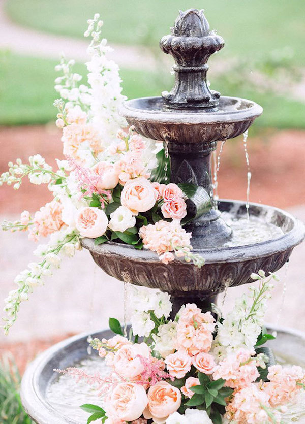 Rose fountain decoration