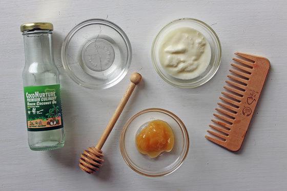 Yogurt and honey hair mask