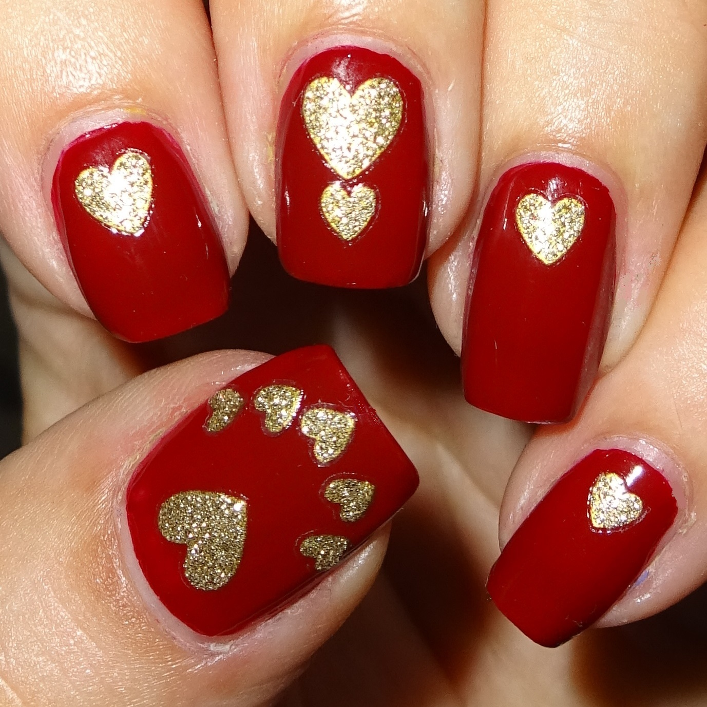 Glam Gold Heart Nail Stickers