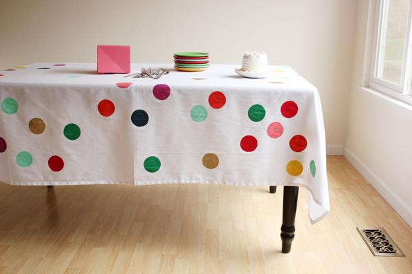DIY confetti tablecloth