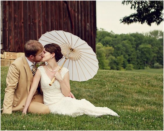 parasol wedding photo