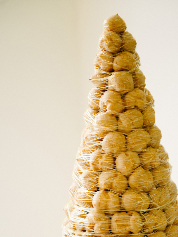 Alternative wedding cakes - croquembouche