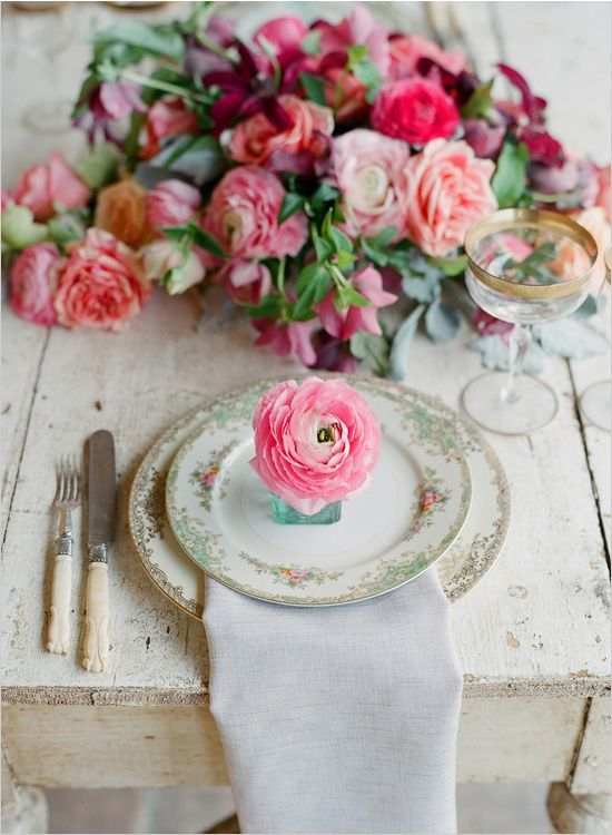 Ranunculus place setting