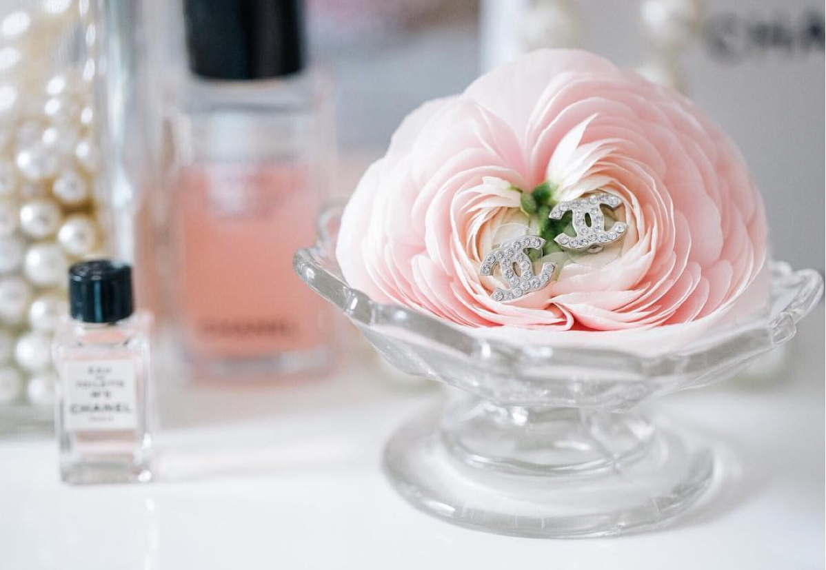 Ranunculus with jewels