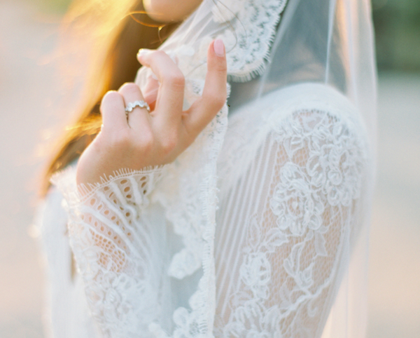 Delicate illusion lace sleeves