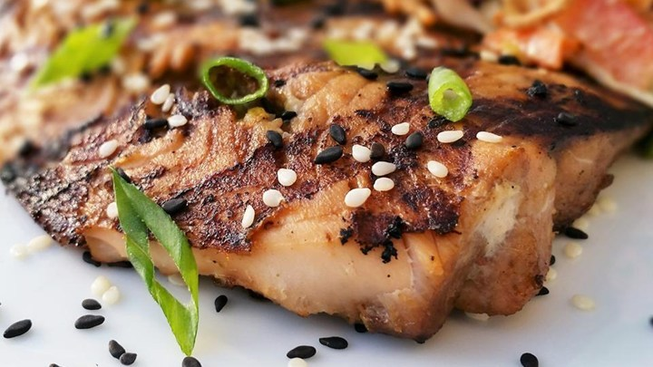 sesame grilled salmon