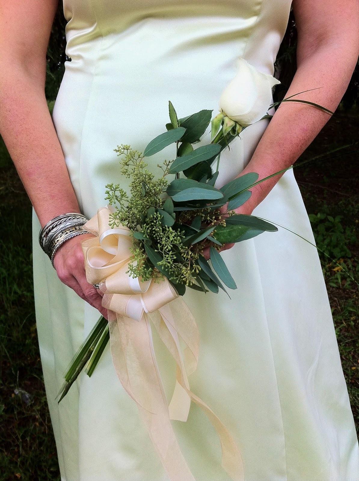 single stem bouquet