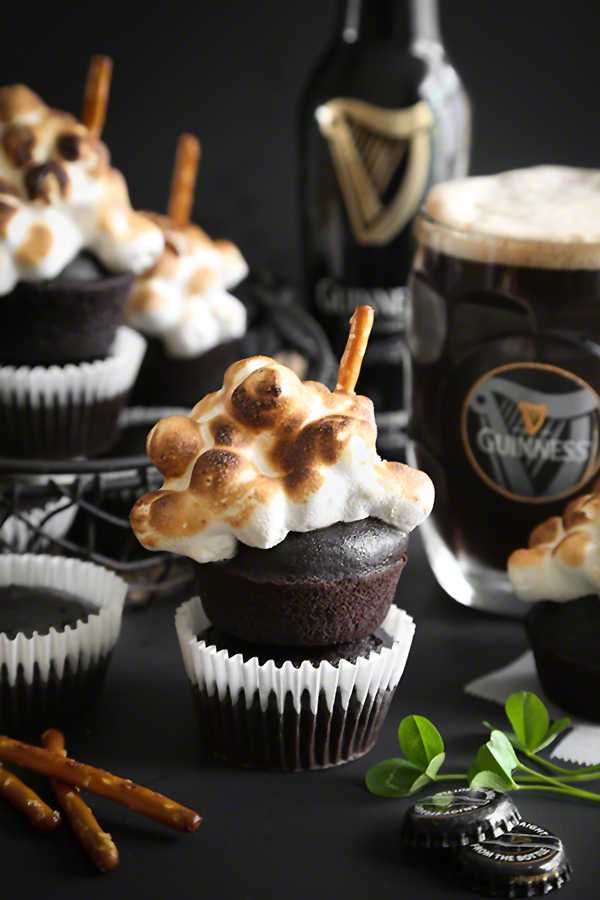 beer and marshmallow cupcakes