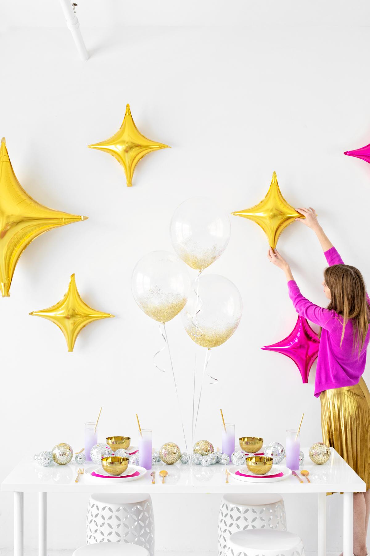 gold balloon backdrop