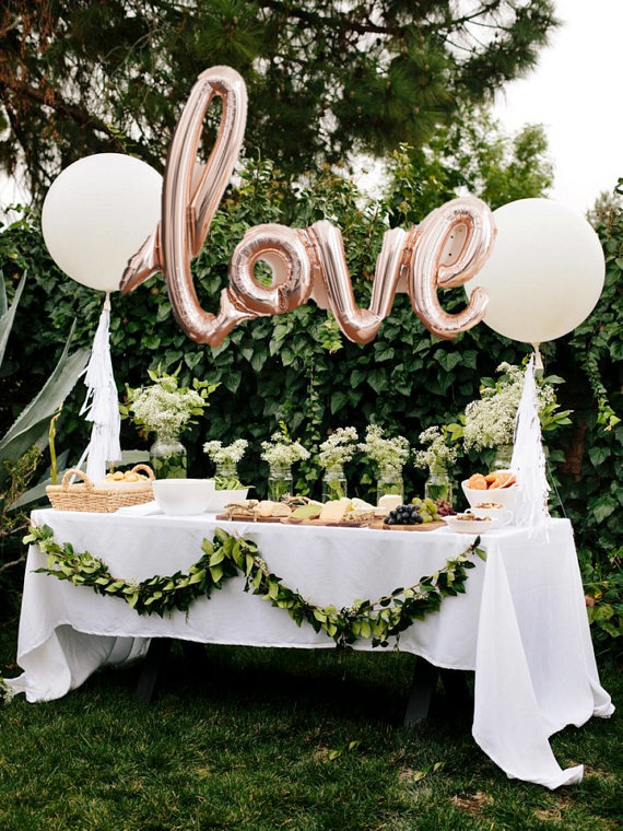 Mylar balloon wedding table decor for outdoor wedding