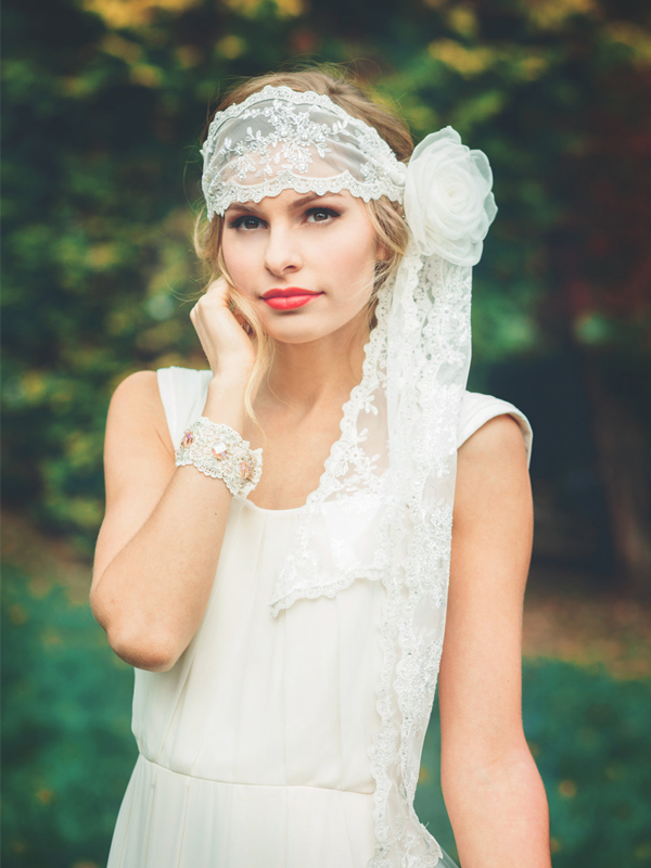 Off-White Bridal Lace Head Wrap