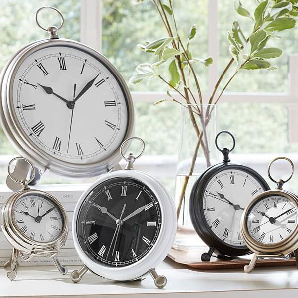 array of clocks