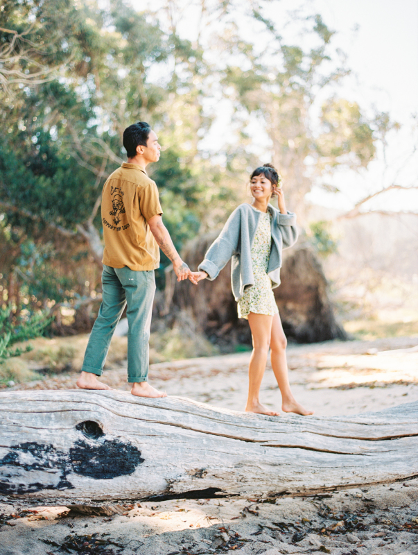 spring engagement session outfit 3