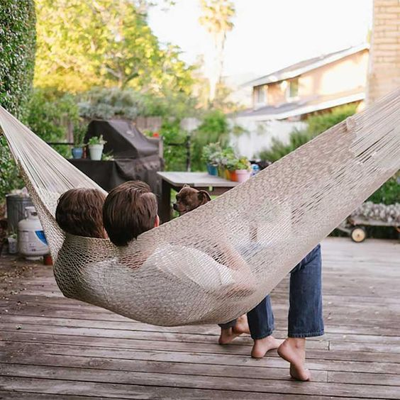 outdoor-items-for-your-wedding-registry-hammock-zola