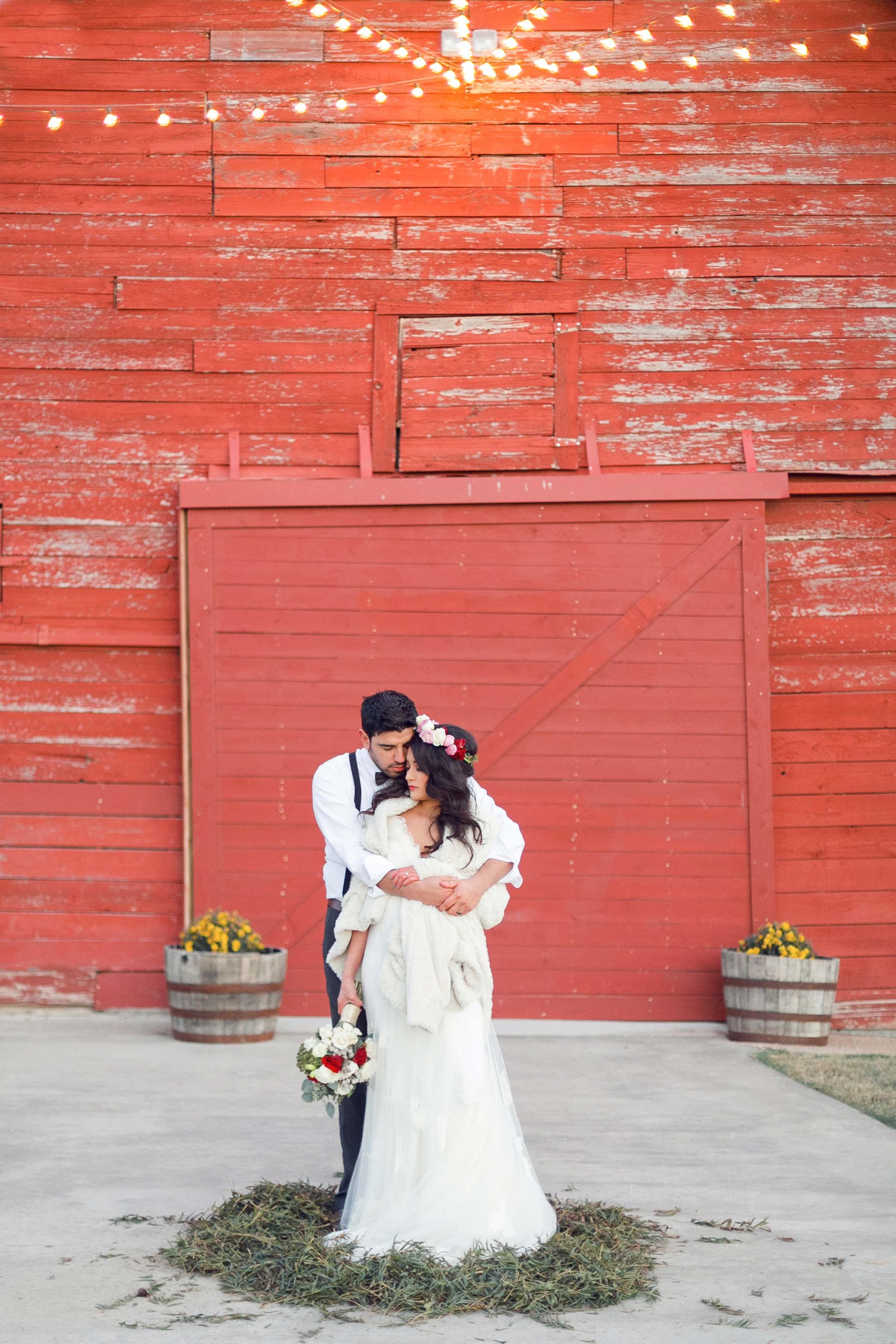 rustic-wedding-venues-across-the-us-rustic-grace-estate-jillian-hogan-photography