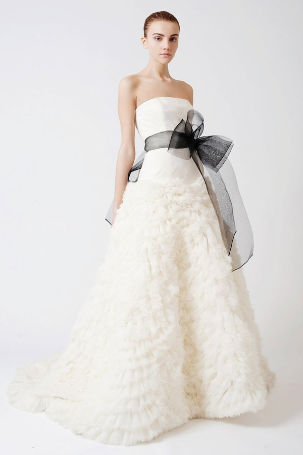 6 Tips To Sell Your Wedding Dress Online Mywedding,White Dresses For Courthouse Wedding
