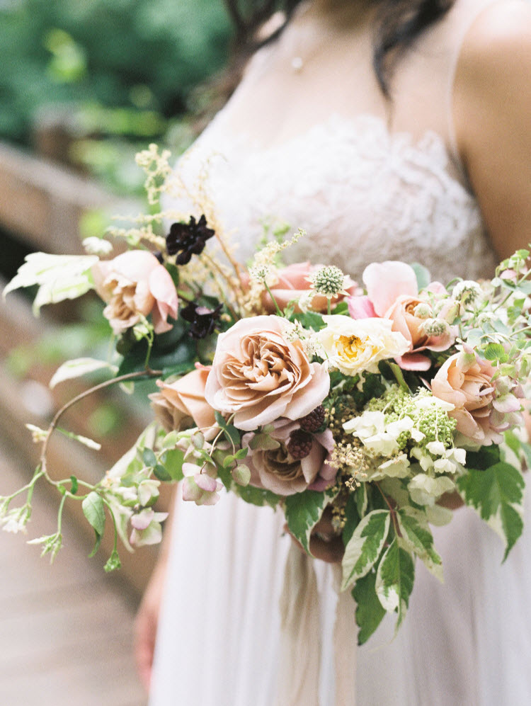 summer-2017-mywedding-real-wedding-jenny-losee-bouquet