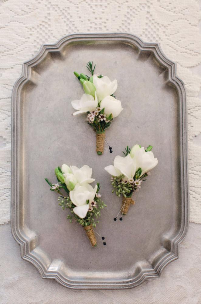 summer-2017-mywedding-real-wedding-joanna-fisher-boutonnieres