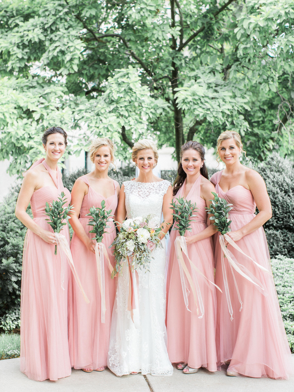 summer-2017-mywedding-real-wedding-samantha-james-bridesmaids