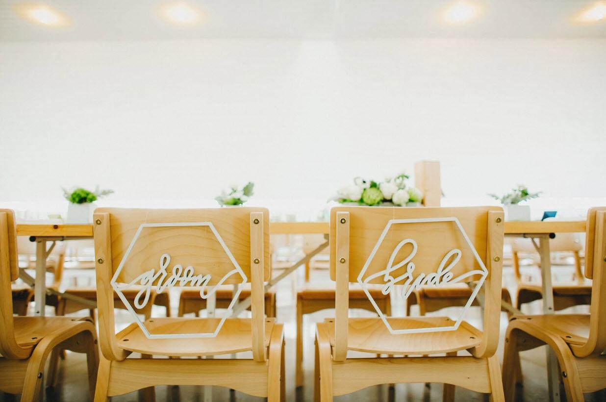 summer-2017-mywedding-real-wedding-two-pair-chair-decor
