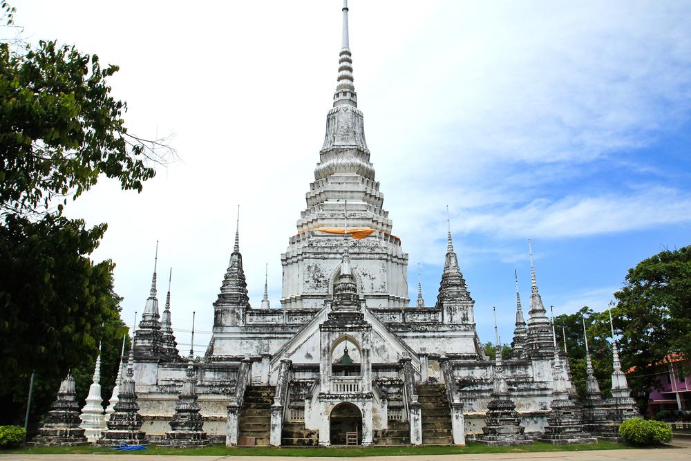 Thailand temple near Chang Mai for a Thailand honeymoon