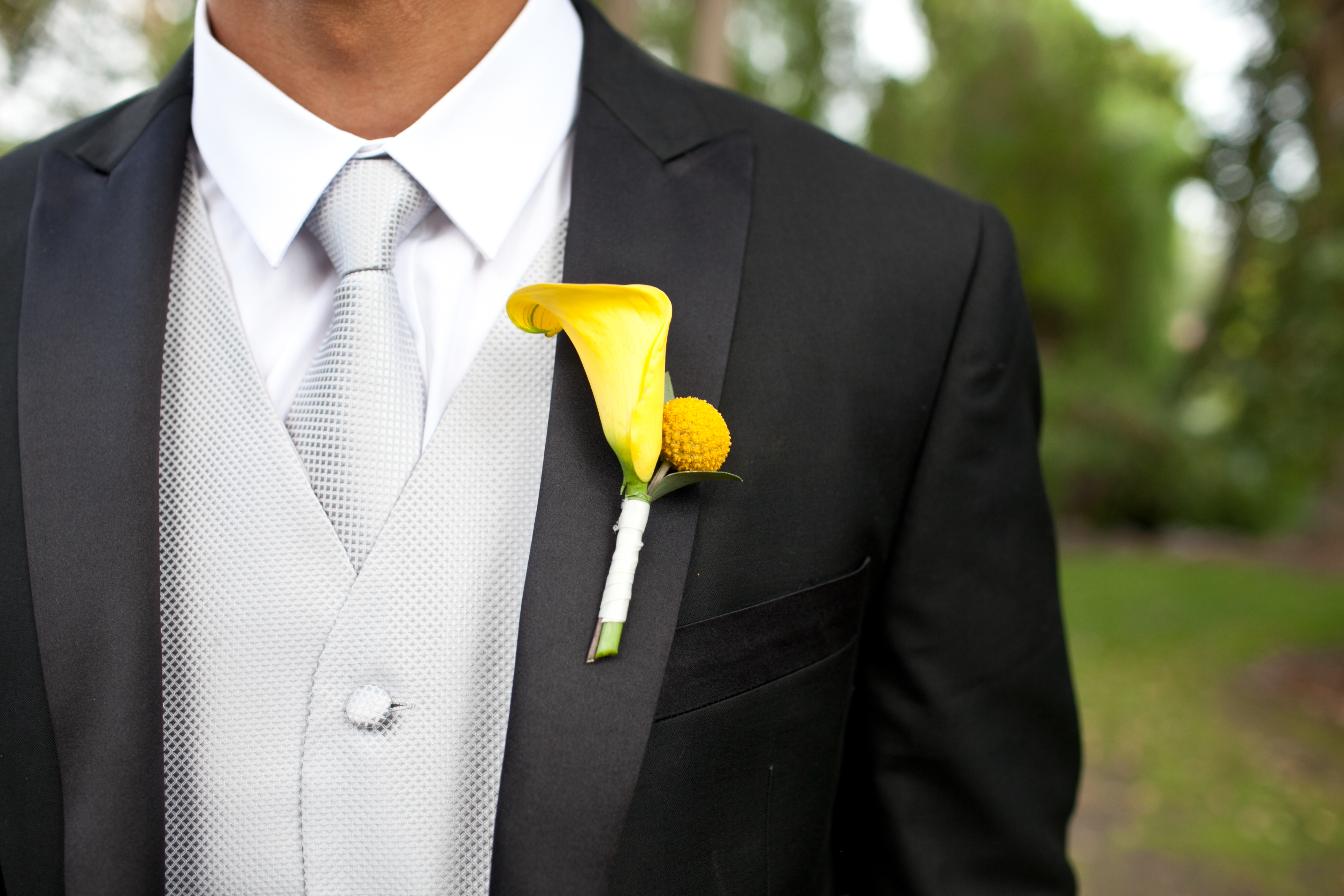 Sunny Boutonnieres
